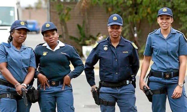 A further 250 officers to be deployed to hot spot areas in Cape Town